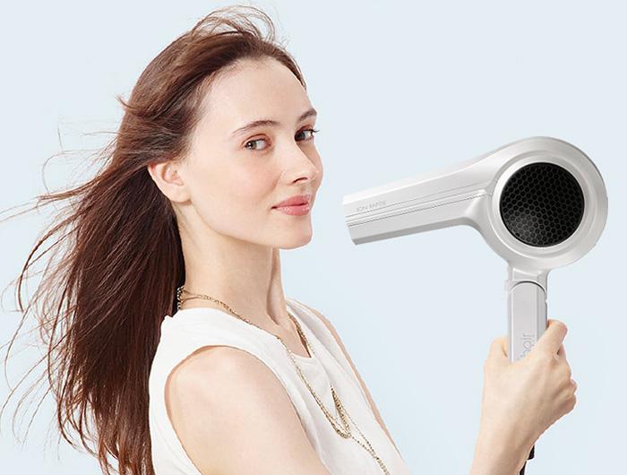 【連載】「ごろ寝しながら髪を乾かす…」実現できるアイテムはあるのか!?徹底調査