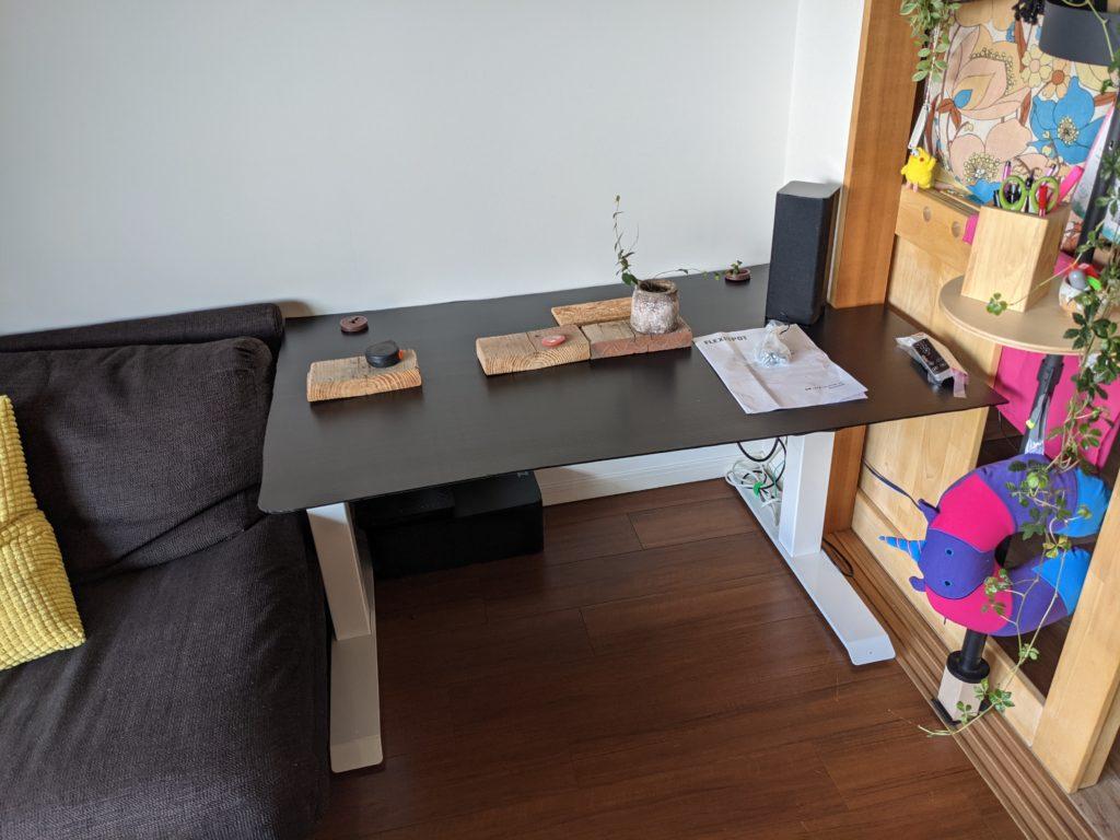 【FlexiSpot E7】自宅に電動昇降デスクを導入!モックと設計図を作ってマルトクショップで特殊な形の110cm幅天板を注文してみた。(組み立て編)